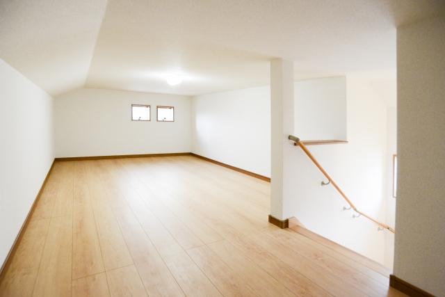 固定階段があれば小屋裏収納も有効活用できる!実例など紹介も!